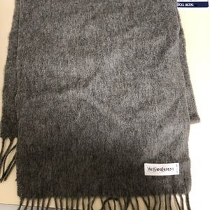 ysl saint Lauren authentic wool scarf.  Grey.